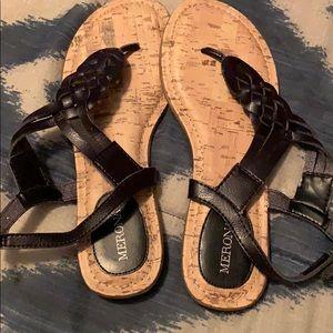 EUC Size 6 ladies black sandals